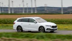 Skoda Octavia 2021: arrivano i motori mild-hybrid e la Ambition