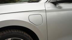 Skoda Octavia iV Wagon plug-in hybrid, lo sportellino della presa di ricarica