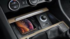 Skoda Superb, il restyling porta in dote il plug-in hybrid - Immagine: 19