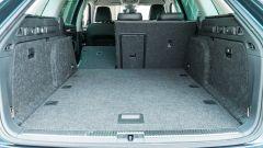 Skoda Superb Wagon 2.0 TDI DSG Style: il grande bagagliaio e lo schienale frazionabile 60:40