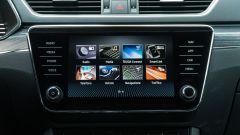 Skoda Superb Wagon 2.0 TDI DSG Style: il touchscreen, con sensore di prossimità, dell'infotainment