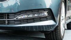 Skoda Superb Wagon 2.0 TDI DSG Style: l'inedito taglio dei fari fendinebbia a LED