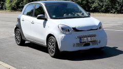Smart EQ Forfour facelift: 3/4 anteriore, la foto spia