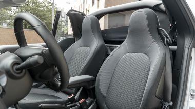 Smart EQ Fortwo Cabrio Pulse, i sedili a capote aperta