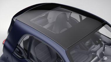 Smart EQ fortwo edition bluedawn 2021: uno sguardo agli interni dal tetto panoramico