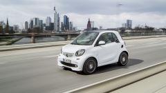 smart fortwo Brabus: la 2 posti tedesca ora conta su 109 cv e 175 Nm di coppia