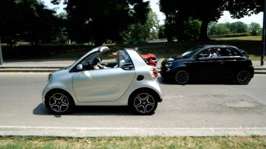 Smart Fortwo Cabrio vs Fiat Nuova 500e Cabrio: la prova su strada