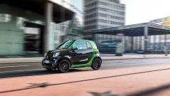 Smart fortwo Electric Drive 2017, arriva a 130 km/h