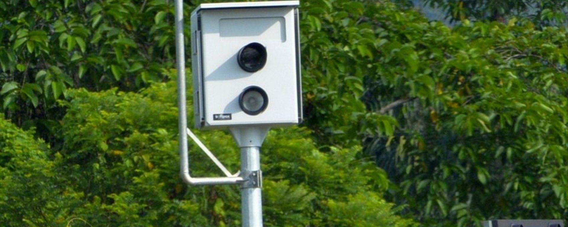 Smartphone alla guida, in Malesia videocamere per elevare multe