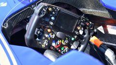 Sono tanti i bottoni presenti sui volanti di F1, molti di questi inutili e non utilizzati dai piloti