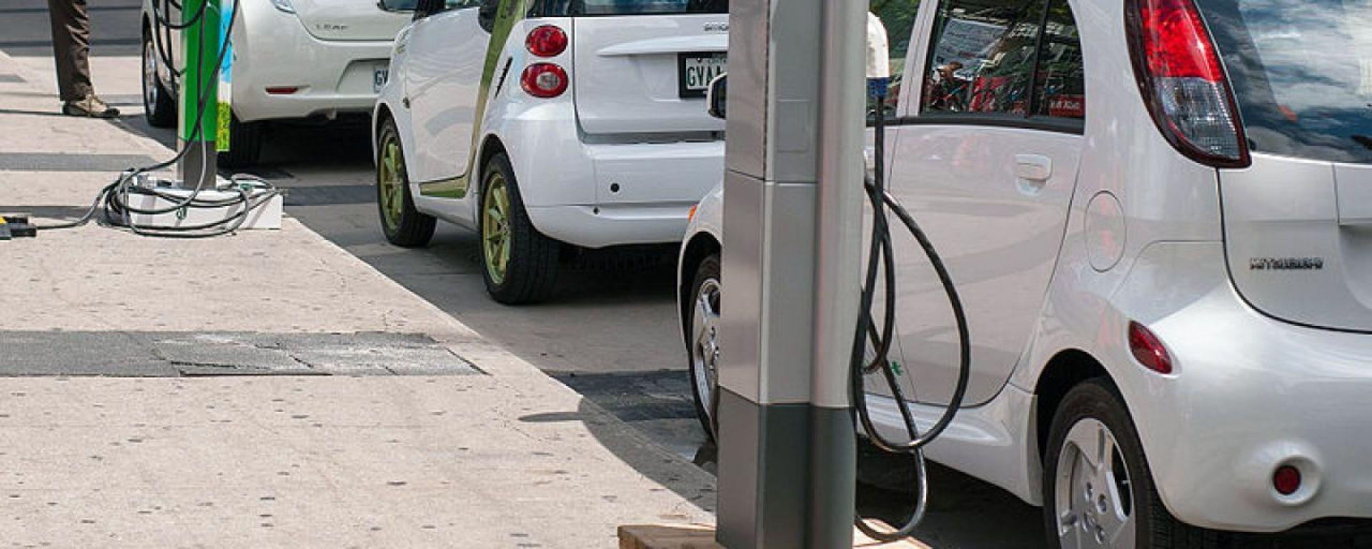 Sosta auto elettriche, cosa cambia nel nuovo Codice della Strada