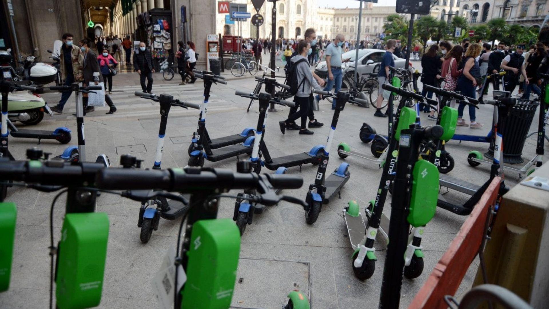 Milano, rimozione di monopattini e biciclette (privati e ...