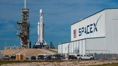 SpaceX, è l'ora X. Il Falcon Heavy di Elon Musk decolla oggi - Immagine: 6