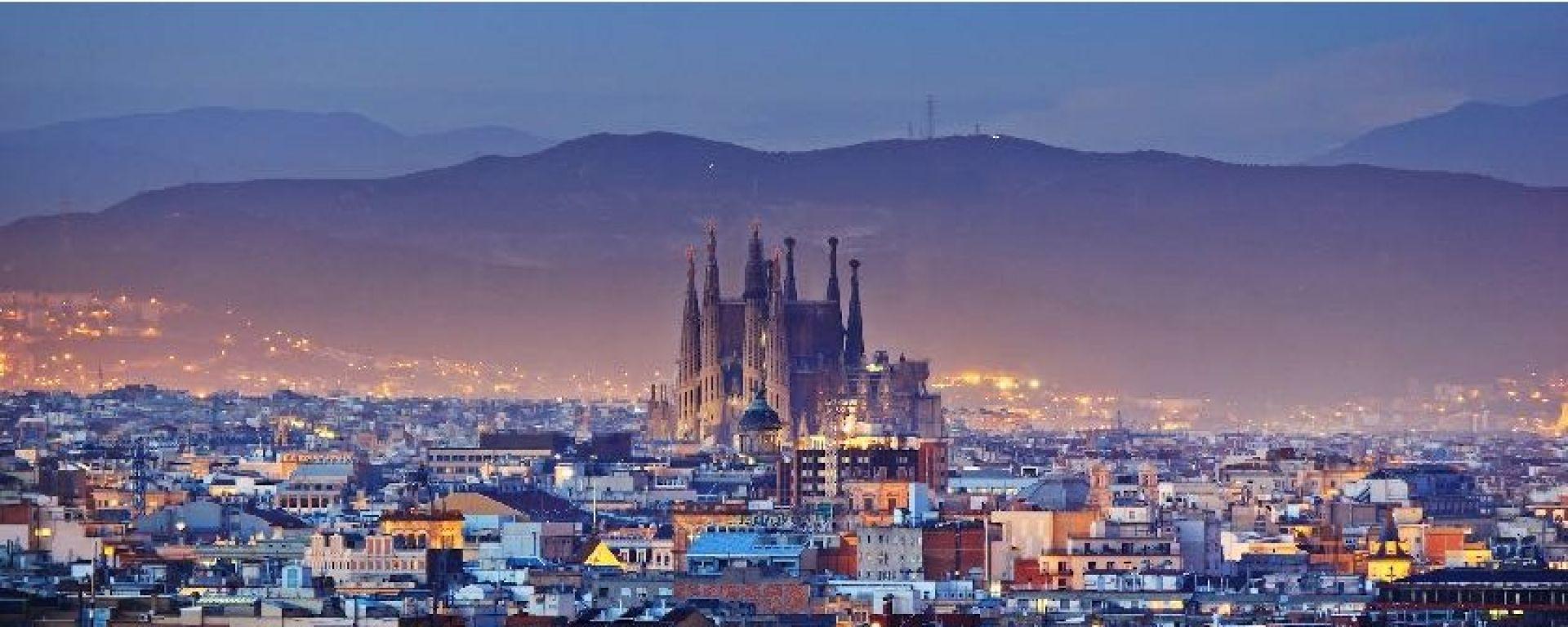 Meno moto a Madrid e Barcellona. Come funziona in Italia?