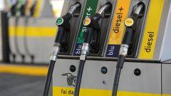 Legge di bilancio 2018, dal 1° luglio sparisce la carta carburante