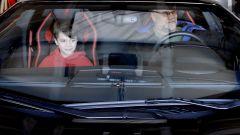 Sterling e figlio a bordo della (vera) Lamborghini Aventador S