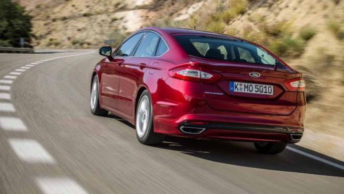 Stop alla produzione Ford Mondeo: la berlina vista da dietro