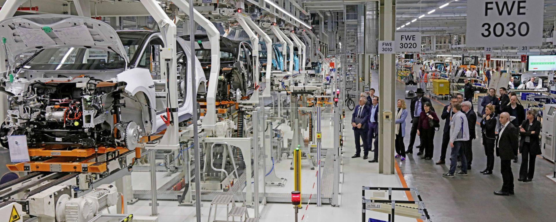 Stop alla produzione in Germania per altri giorni