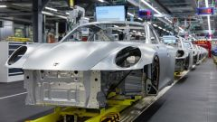 Porsche blocca produzione in Germania per emergenza coronavirus