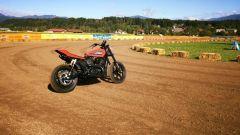 Harley-Davidson: Street Rod 750 da Flat Track in azione al Faaker See