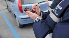 Parcheggi righe blu, multa nulla se ticket pagato ma non esposto
