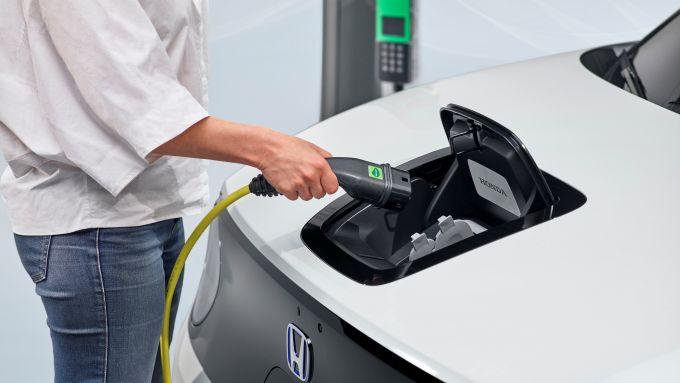 Studio Castrol sulle EV: la ricarica di una Honda e