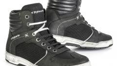 Stylmartin Atom: la sneaker traforata per la bella stagione - Immagine: 2