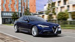 Su strada la Alfa Romeo Giulia ha decisamente una bella presenza.