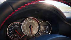 Subaru BRZ: il nuovo monitor LCD al centro della plancia mostra numerose informazioni