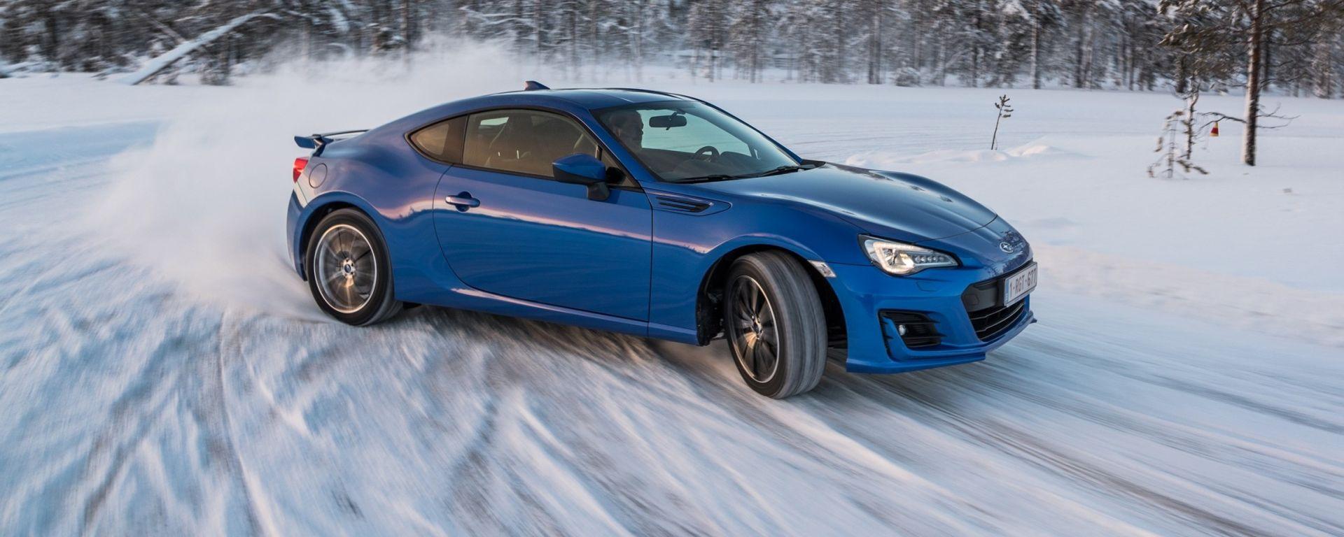 Subaru BRZ m.y. 2017: la coupé a trazione posteriore a spasso sulle nevi della Lapponia