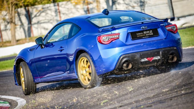 Subaru BRZ Ultimate Edition: visuale di 3/4 posteriore