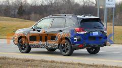 Subaru Forester 2021: visuale di 3/4 posteriore