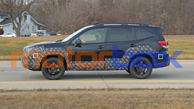 Subaru Forester 2021: visuale laterale