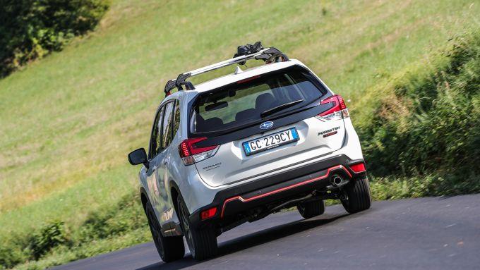 Subaru Forester e-Boxer 4dventure abbina il motore boxer all'elettrico