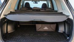 Subaru Forester e-Boxer 4dventure: il bagagliaio con la vasca e la scatola