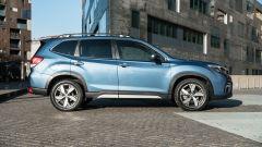Subaru Forester e-Boxer Premium: vista laterale