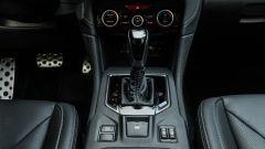 Subaru Impreza e-Boxer, interni: il CVT Lineartronic e la console centrale