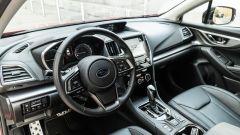 Subaru Impreza e-Boxer, interni: la plancia e il volante