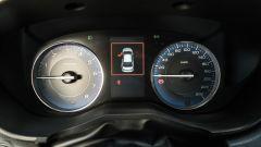 Subaru Impreza e-Boxer, interni: la strumentazione prevalentemente analogica