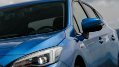 Subaru Impreza e-Boxer: nuovi fari LED adattivi