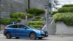 Subaru Impreza e-Boxer: vista laterale