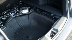 Subaru Levorg 2021, l'alloggiamento per la ruota di scorta fa da doppiofondo