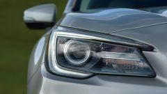Subaru Outback 2018, i fari a LED hanno la tecnologia Steering Responsive Headlights