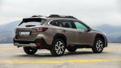 Subaru Outback 2021: 3/4 posteriore