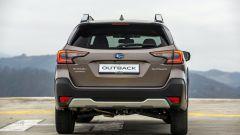 Subaru Outback 2021: il posteriore