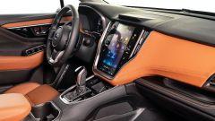 Subaru Outback 2021, interni: l'abitacolo anteriore