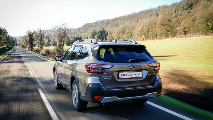 Subaru Outback 2021: la prova su strada