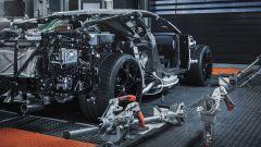 Sul banco a rulli viene testata la trasmissione della Bugatti Centodieci
