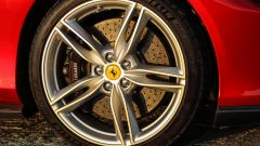 Sulla Ferrari Roma non mancano i freni carboceramici Brembo