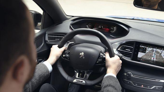 Sulla nuova Peogeot 308 2020 l'i-cockpit